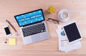 gestione social media desk